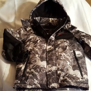 Boys black and gray weatherproof size Five Six j